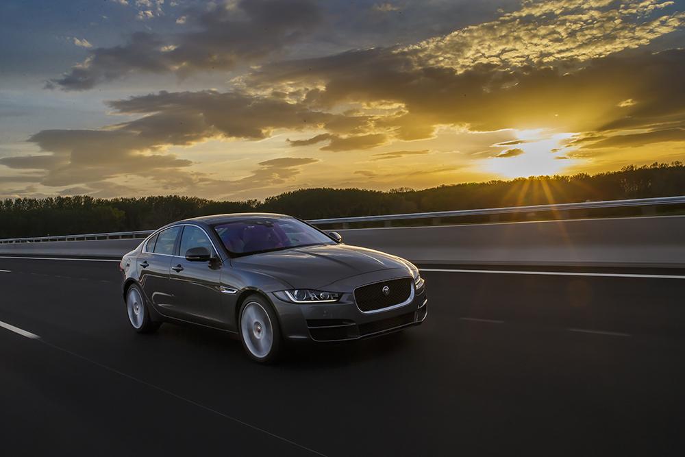 Premium Auto lansează noul model Jaguar XE în România