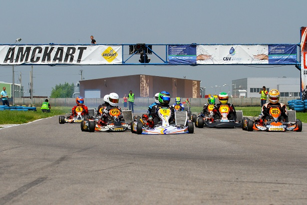 Lupta pentru titlurile naționale la karting continuă la Târgu Secuiesc