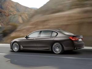 BMW M760Li xDrive (1)
