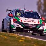 WTCC Slovacia: Tiago Monteiro se impune în prima cursă