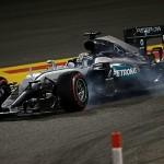 Lewis Hamilton penalizat cu cinci locuri pe grila de start din China