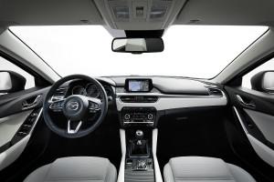 2017-Mazda6_Interior_10