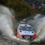 Evolutie fara riscuri pentru echipajele Hyundai Motorsport in Raliul Marii Britanii