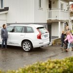 Volvo Cars începe azi dezvoltarea mașinilor autonome cu ajutorul familiilor suedeze