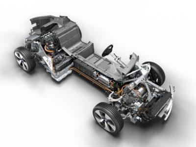 Trenul de rulare pentru BMW i8 câştigă International Engine of the Year Award pentru a patra oară