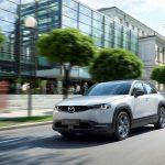 Mazda începe producția modelului MX-30,  prima mașină electrică a companiei