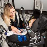 Scaunele pentru copii cu orientare spre spatele mașinii au fost inspirate de modul în care călătoresc astronauții
