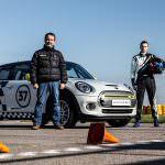 Reîncepe aventura electrică a primului automobil de curse din lume MINI Cooper SE