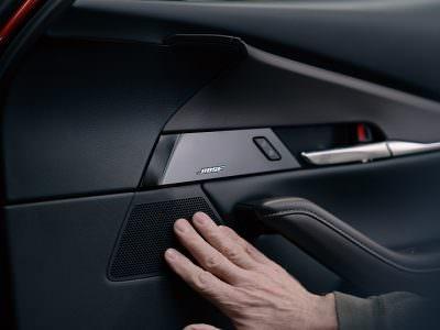 Împreună provocăm convenționalul: 30 de ani de colaborare Mazda și Bose